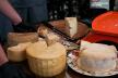 Сир та вино смакували буковинці на фестивалі (Фоторепортаж)