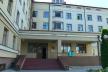 Купи невивезеного сміття та численні ями на території: в якому стані Чернівецька обласна дитяча лікарня?