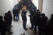 Неспокійний вечір під стінами Чернівецької ТВК: група молодиків у балаклавах намагалися увірватися до будівлі