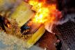 Маршрутка за лічені хвилини згоріла вщент у самому центрі Чернівців (ВІДЕО, ФОТО)