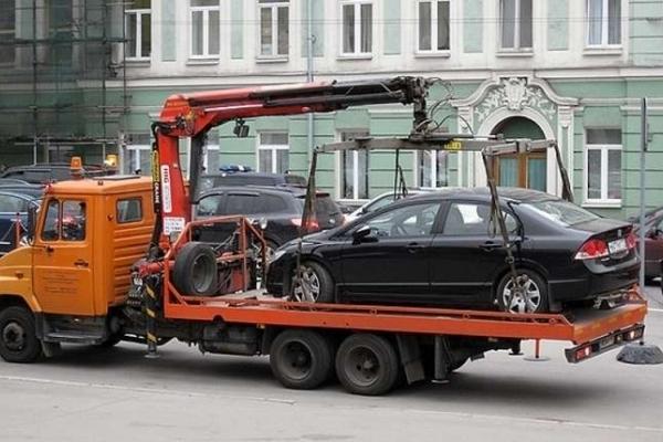 Автолюбителям Буковини: причини, за яких евакуюватимуть авто