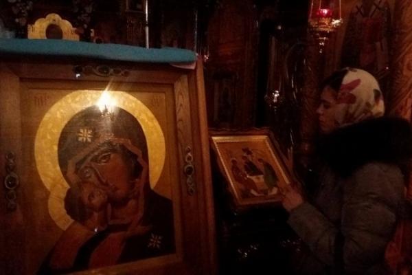 Чернівчани можуть помолитися біля Чудодійної ікони, що рятувала життя онкохворим (Фото)