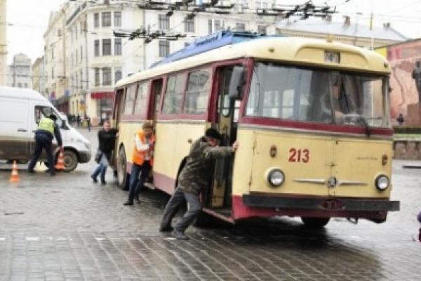 У Чернівецькій міськраді повідомили точну кількість тролейбусів та автобусів на маршрутах міста