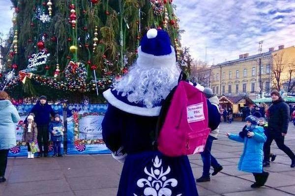 Чернівецький Дід Мороз бореться з онкозахворюванням
