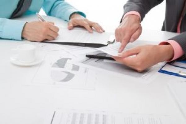 У Чернівцях обговорили порушення вимог законодавства у сфері містобудівної діяльності