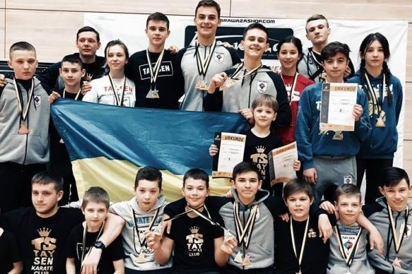 Каратисти з Буковини привезли 19 медалей з Німеччини (Фото)