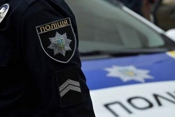 У Чернівцях патрульні доставили додому 98-річну жінку, яка заблукала