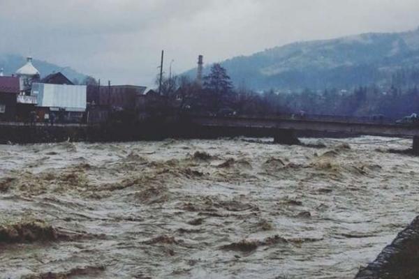 У Чернівецькій області попереджають про паводки
