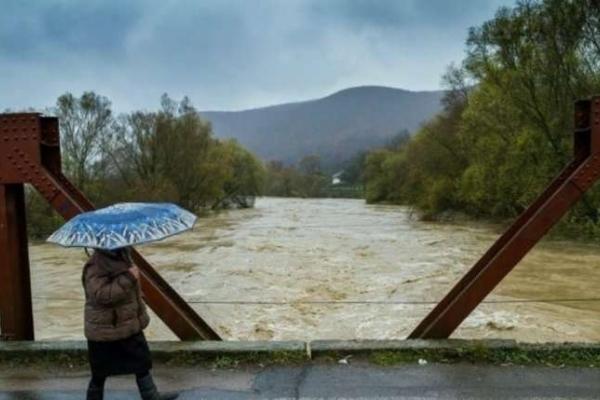 На річках басейнів Прута та Сірету очікуються подальші підйоми рівнів води