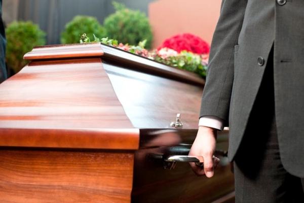 Без паніки: буковинцям роз'яснили закон щодо поховання