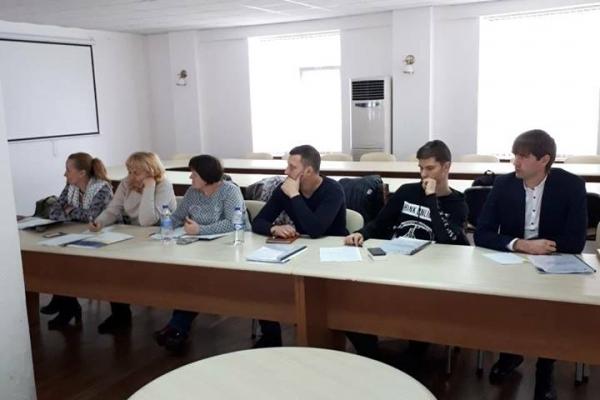 Чернівчан навчали писати проекти на розвиток громад