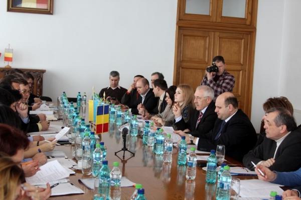Фищук розвиватиме Буковину разом з румунами (Фото)