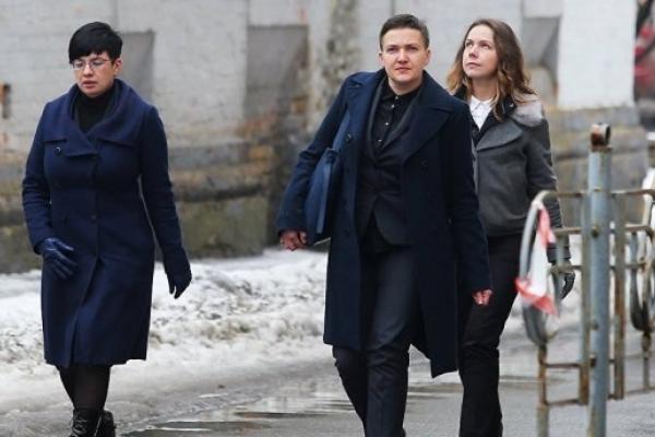 Журналісти з'ясували, де та як живе Савченко