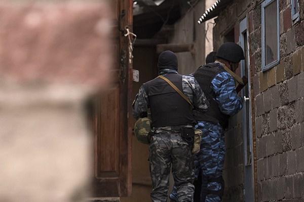На Буковині у покинутому будинку виявили громадянина Молдови