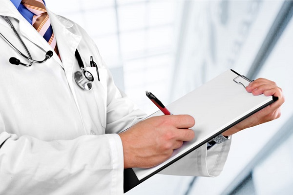 У Чернівцях пропонують впровадити страхову медицину