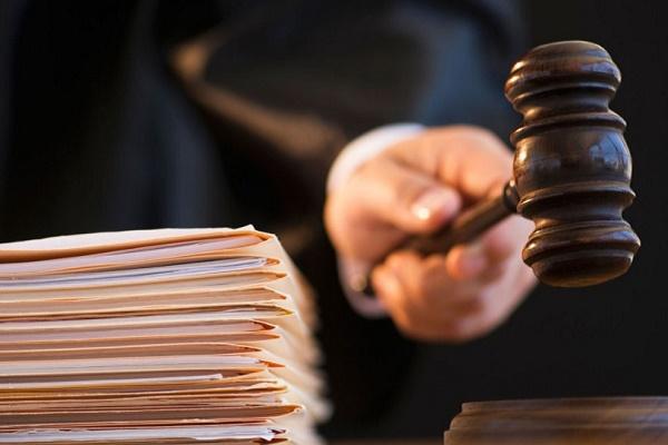 Хто тисне на суддів у справі поновлення на посаді міського голови Олексія Каспрука?
