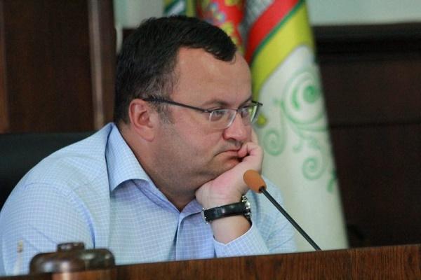 Як мер Чернівців голосував підвищення ціни на проїзд до 5 гривень