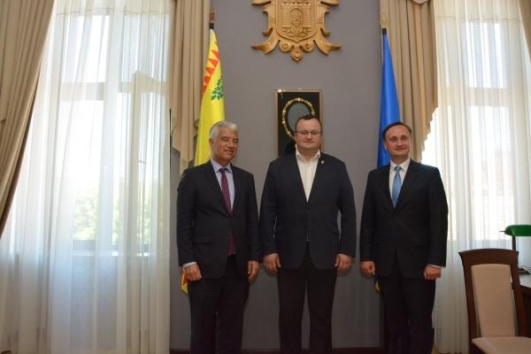 Посол ФРН в Україні відвідав Чернівці