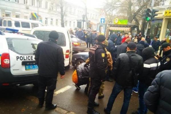 У Києві обстріляли переповнену маршрутку (Відео)
