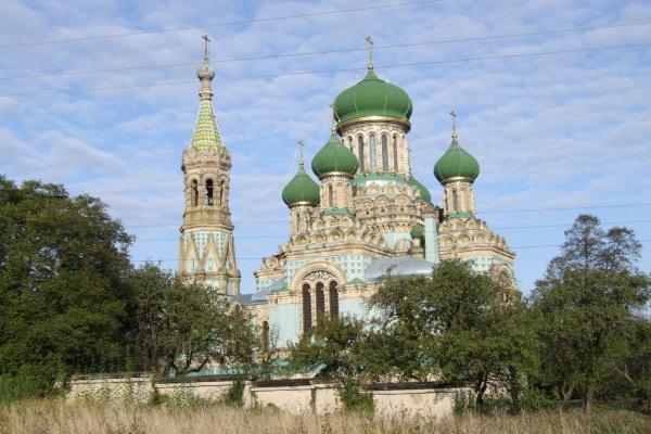 Село Біла Криниця на Буковині - «Мекка» для паломників-християн і туристів