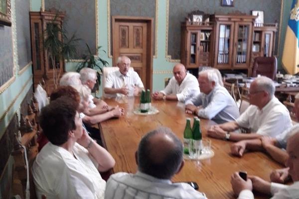 Олександр Фищук зустрівся з ветеранами державної служби