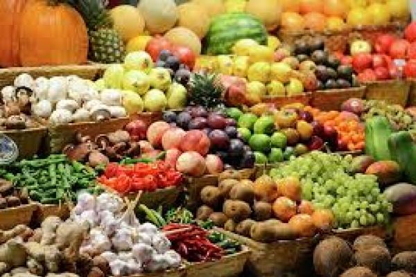 На ринках Буковини продають «золоті» овочі та фрукти