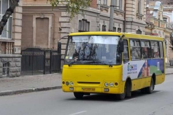 Замість автобусного маршруту № 38 у Чернівцях пропонували зробити два маршрути