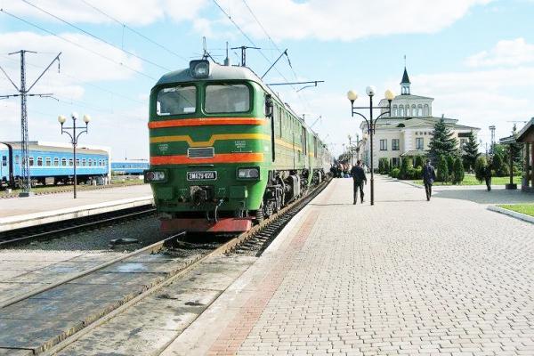 На Укрзалізницю подали до суду, бо провідник поїзда «Чернівці – Одеса» розмовляв російською