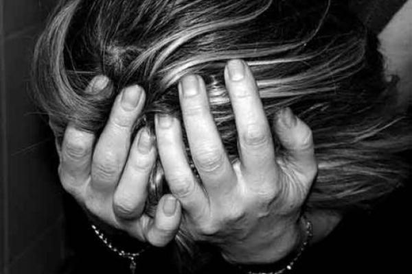 На Буковині засудили горе-матір, через яку дворічна дитина потонула в колодязі
