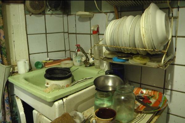 Пенсіонерка у Чернівцях майже місяць без води у квартирі