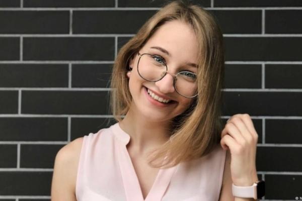 Чернівецьку школярку запросив на практику депутат Бундестагу