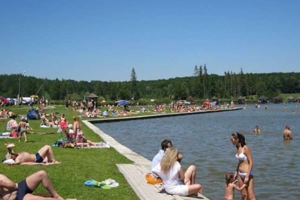 Чернівчанам не рекомендують купатись на міському пляжі