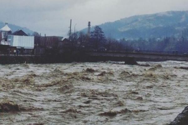 Штормове попередження: на Буковині очікують погіршення погодних умов!