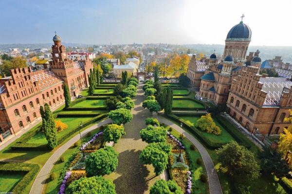 На позачерговій сесії Чернівецької міської ради говоритимуть про «Комфортне місто»