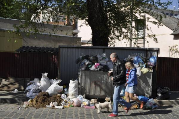 У Чернівцях виконком підняв тариф за вивезення сміття