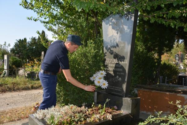 Чернівецькі рятувальники вшанували пам'ять своїх загиблих колег (Фото)
