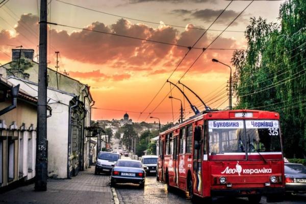 Чернівецька міськрада придбає транспорт на умовах фінансового лізингу