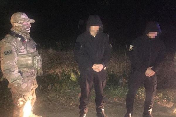 На Буковині СБУ затримала на хабарі двох патрульних поліцейських (Фото)