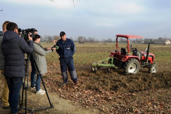 Представники ЗМІ Буковини ознайомилися з роботою сільськогосподарських кооперативів