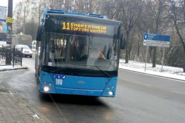 Тролейбуси № 1 та № 8 вже курсують звичним маршрутом у Чернівцях