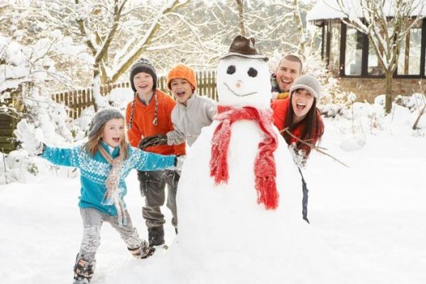 Поліцейські закликають буковинців подбати про безпеку дітей під час зимових канікул