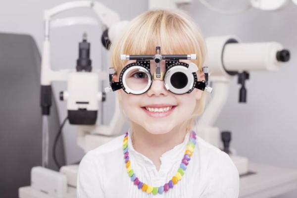Безкоштовно перевірити зір запрошують чернівецьких школярів