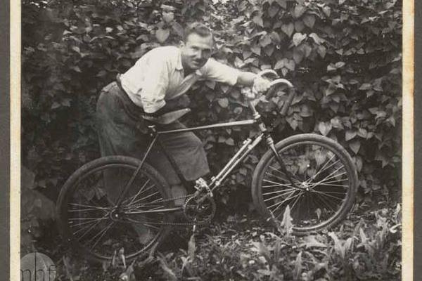 Мешканці Хотина на фото 1930-х років