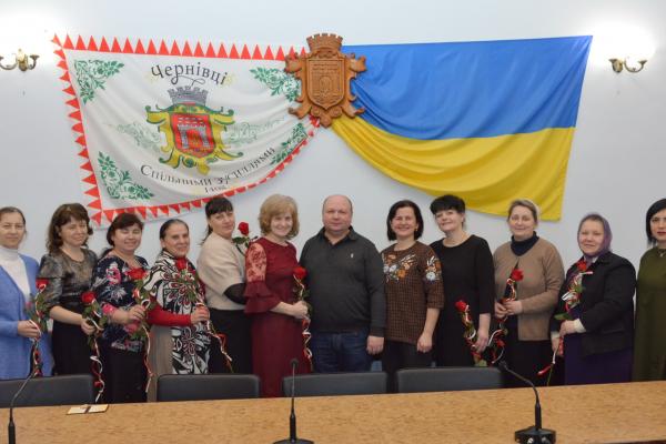 Чернівецьким матерям-героїням вручили медалі (Фото)