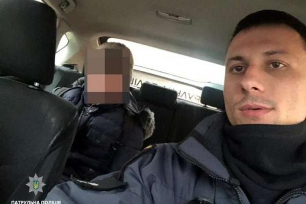 Патрульні допомогли хлопчику, що заблукав у Чернівцях