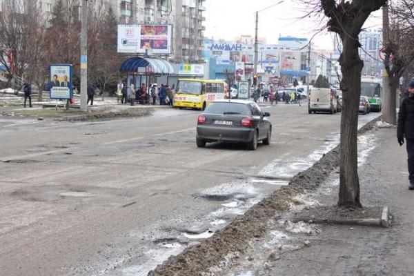 Десятки мільйонів гривень чернівчани потратять на дороги