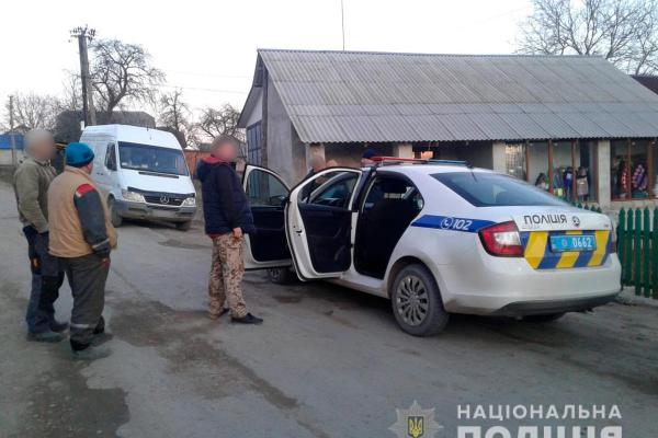 Заставнівщина: у селі Баламутівка нетверезий водій намагався підкупити поліцейських