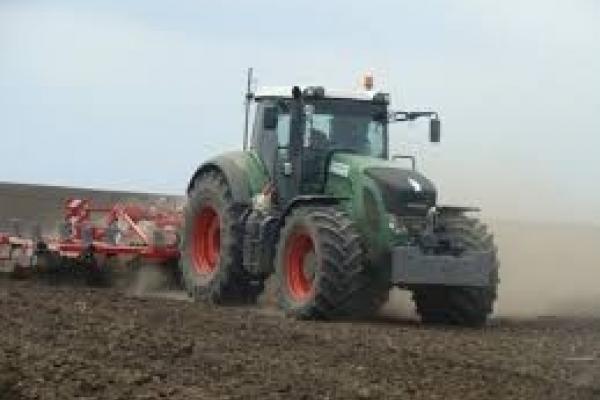 Аграрії Буковини розпочали весняно-польові роботи