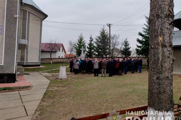 Поліція забезпечила правопорядок під час богослужіння на Буковині