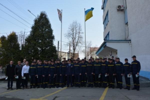 Чернівці: випускники навчального пункту склали присягу служби цивільного захисту